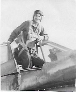 Heyne R USAF in cockpit